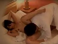 ラブホテルで夫の上司と不倫する人妻を盗撮