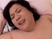 メス豚おばさんのふくよかな肉体で性欲処理