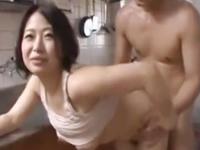 素人の主婦とセックス 四十路のそそる人妻に生挿入