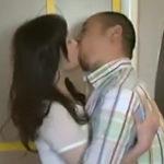 うちの嫁も不倫相手とラブホテルでこんな激しいセックスをしてるのだろうか