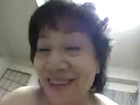 高齢熟女マニアが撮影した六十路のおばさんとのリアルなハメ撮りが流出