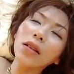 三十路の子持ち妻は息子の担任と不倫して性欲を発散