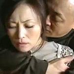 近所の男に襲われて乱暴なセックスで感じてしまう田舎の美人妻