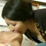 熟女好きの息子と欲求不満な義母の濃厚な家庭内セックス