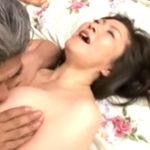 五十路になっても良く締まる熟女の膣を堪能する中年夫婦の営み