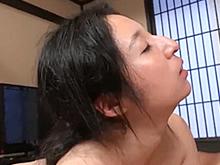 人生に疲れ切っているような陰のある熟女のセックスが見たい