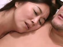 浮気しそうにない淑女が夫よりも大きな巨根に堕ちた顔がエロい