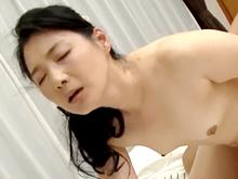 素朴な五十路の母が美しく乱れる!SEXで美熟女へと変貌する人妻