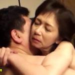 還暦の高齢夫婦が新婚時代を思い出す!濃厚な密着セックスで膣内射精