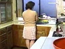 求められたら断れないお義母さんをキッチンで無理矢理ハメてみた