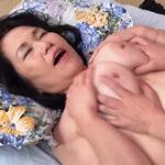 祖母とセックスしています…大好きなおばあちゃんとの淫らな二人暮らし