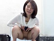 とある不倫カップルの投稿動画 調教された五十路の人妻が痴態を公開