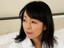 京都美人が還暦前に初めてのアナルセックス…浣腸で恥じらう笑顔