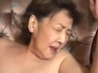 60代のおばあちゃんと中出しセックス!年季の入った六十路熟女動画