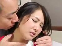 清純系人妻の男慣れしていない膣内に精液をぶちまけてみた
