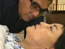 最後の一発!死ぬ寸前の病弱な妻と中出しセックス