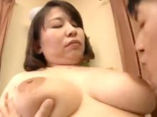五十路の専業主婦が10年ぶりの中出しセックスで巨体を弾ませる