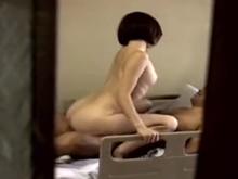 熟女介護士が障害者の巨根で性欲を満たしている現場を目撃した