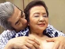 80代の熟女の貴重な中出しセックス…最高齢のAV女優が夫婦の営みで女の顔を浮かべる