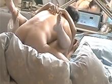 熟女の生々しい喘ぎ声がラブホテルに響く!盗撮されたおばさんとおじさんの性行為