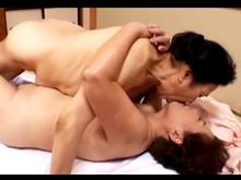 70代の高齢熟女がレズプレイ 熟れた肉体を絡ませながら性感帯を刺激し合うおばあさん