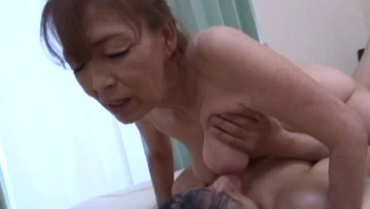 生涯現役の還暦熟女AV女優3