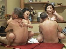 還暦の乱交パーティーに潜入!全裸の老人集団が交わる卑猥な空間